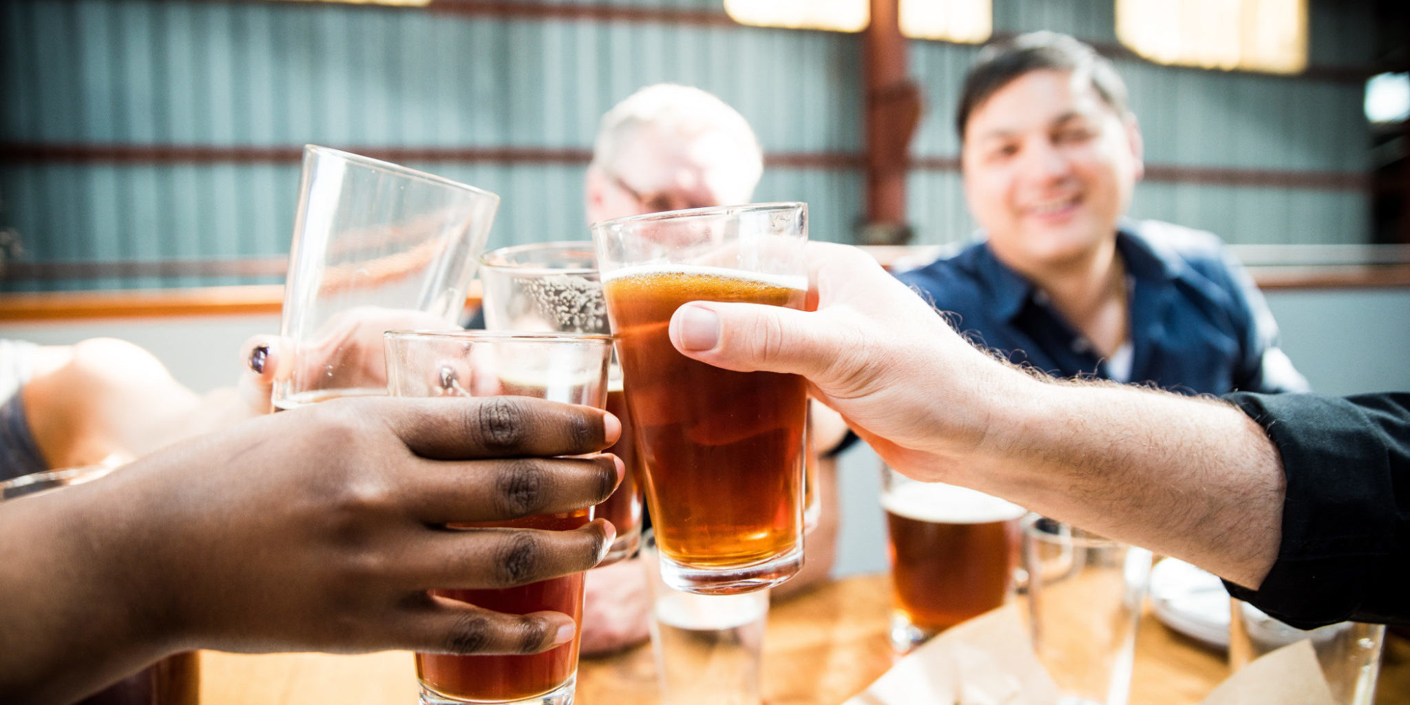 beer-with-friends_t20_YQRrwx